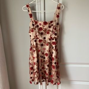 NEW Lulu's floral embroidered lace dress